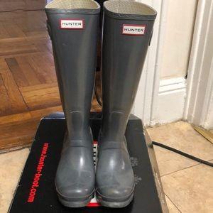 High grey Hunter boots !!